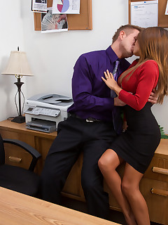 Office XXX porn pics